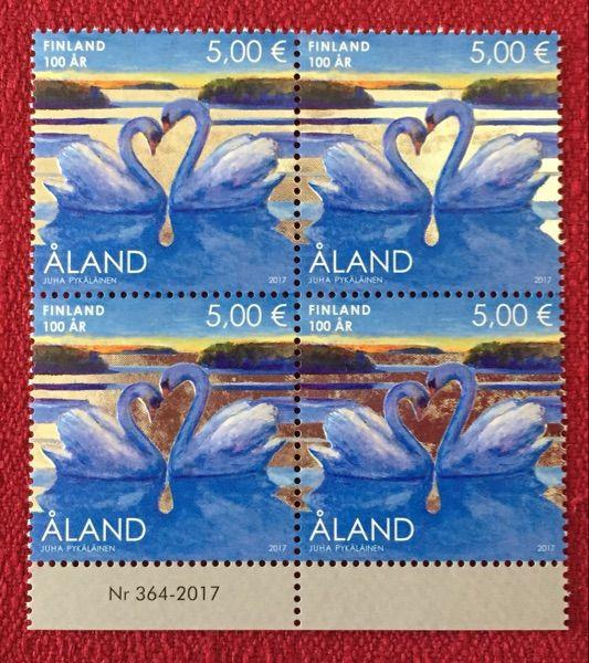 奥兰群岛2017年《纪念芬兰独立100周年》邮票四方连(带边纸)异质